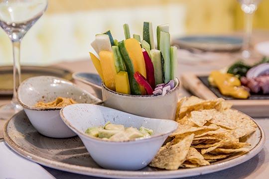 Restaurante Biloba Granada   Hummus con crudités